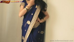 Indian Desi Housewife hot stripping Blue Saree Full Nude Full HD Porn Sexy Navel Gand Choot boobs00030
