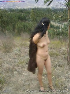 Outdoor Romance Nude Photo मलमल के बिस्तर पर चोदने लायक माल को जंगल मे ले जाके चोदते ह चूतिये (33)