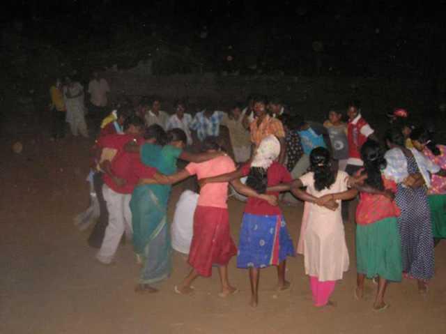 24_dancing