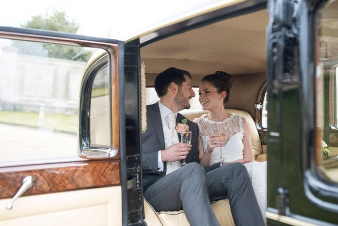 wedding-photography-inside-the-car