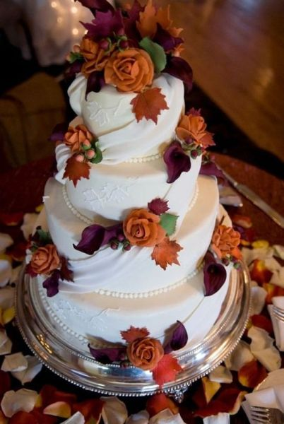 fall-wedding-cake-inspiration-IndianWeddingCards