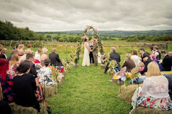 country-vintage-glastonbury-festival-wedding