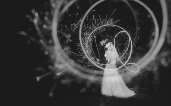 wedding portraits magical with sparklers 10