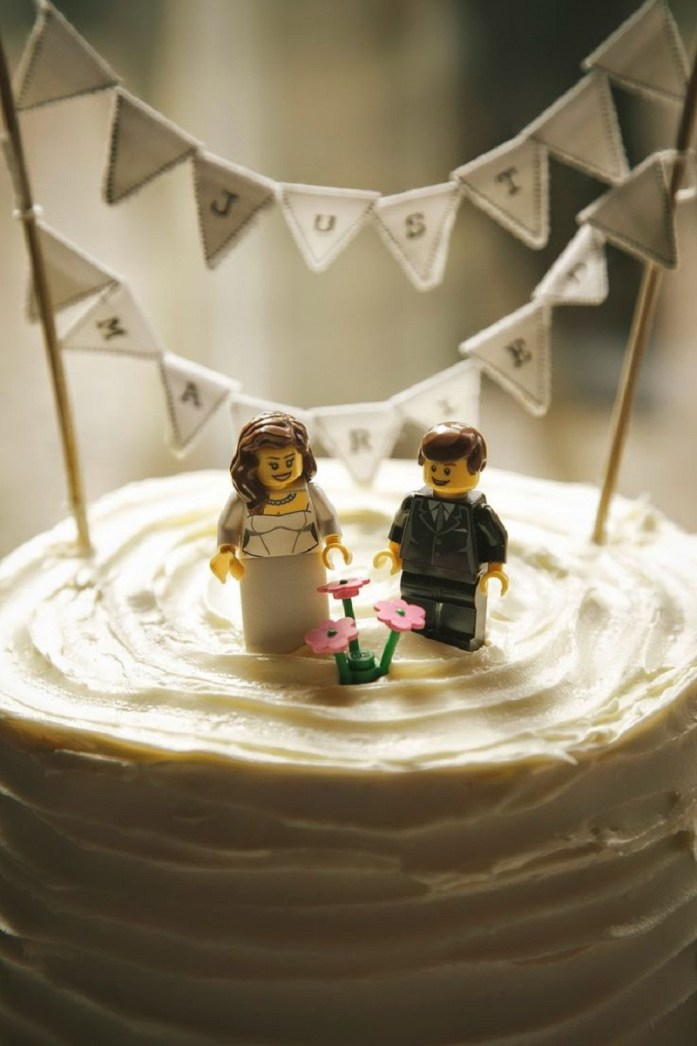 Amazing Lego wedding cake