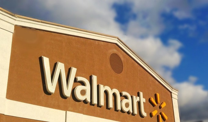 Walmart tests shelf-scanning robots in 50 stores