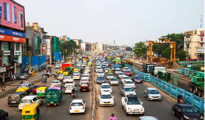 4 driving rules that'll keep you and others safe on Indian roads