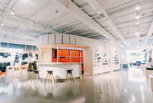 Nike opens data-driven store in Los Angeles