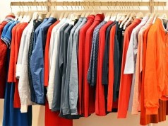 Apparel retailers likely to offer huge discounts after lifting of lockdownApparel retailers likely to offer huge discounts after lifting of lockdown