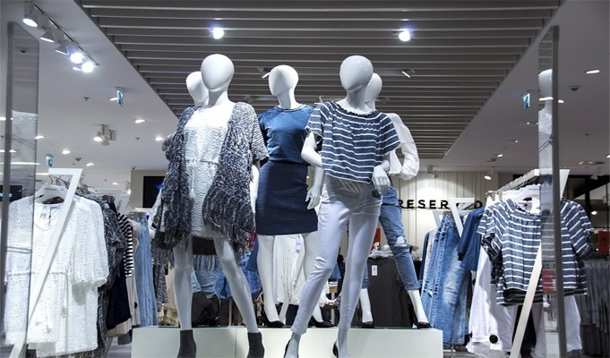 Fashion industry ponders bleak future post lockdown, experts say COVID-19 will set back the industry by 10 years