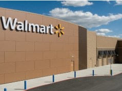 Walmart makes face coverings mandatory in US