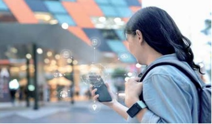 The Future of Modern Retail: Phygitally serving customers from a distance