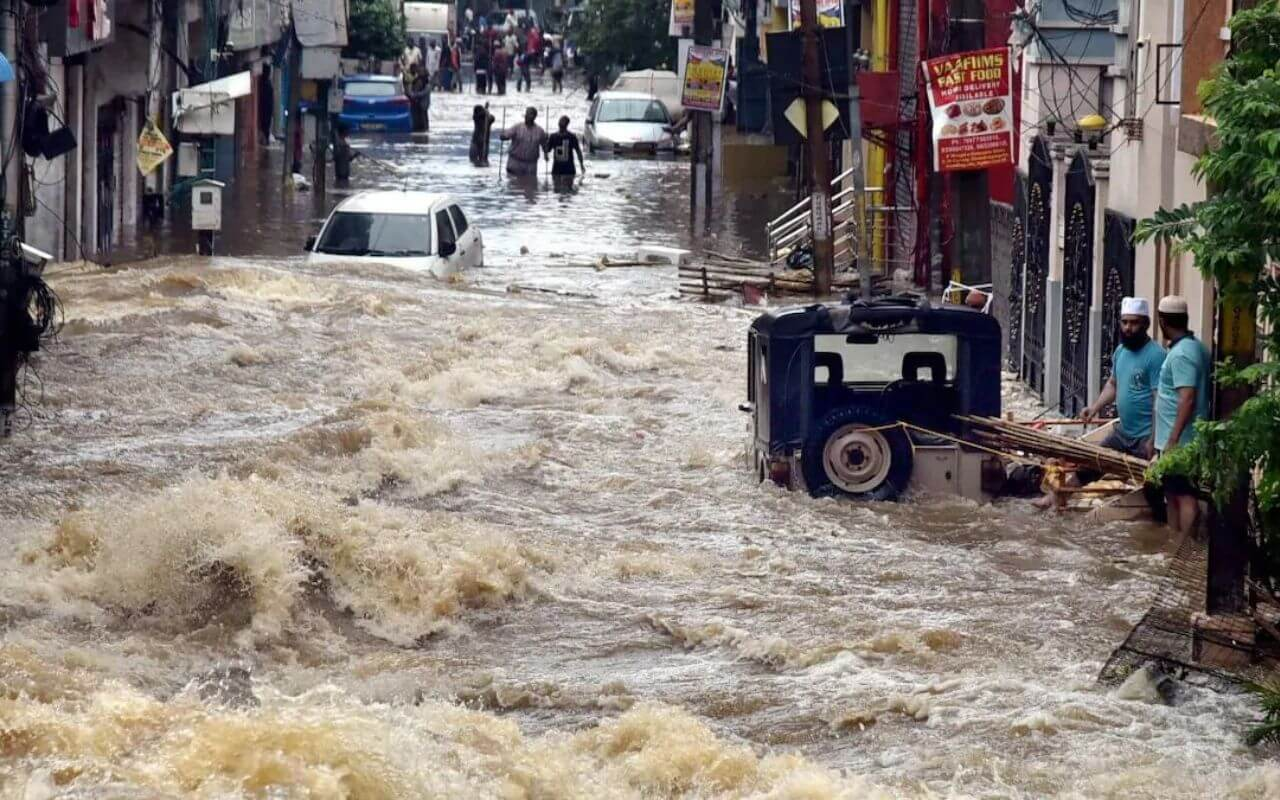 Six People Washed Away Due To Heavy Rainfall In Telangana