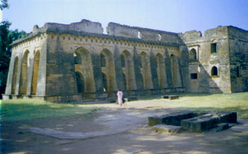 Mandu Hindola