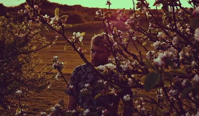 Man Without Country returns with new double A-Side 'Lion Mind'/'Jaws of Life'