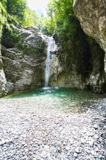 cascata segreta marmitte dei giganti val d'ancogno in val brembana bergamo (1)