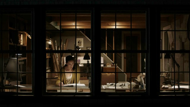 The Night House Review: Rebecca Hall Carries a Deafening Horror Movie    IndieWire