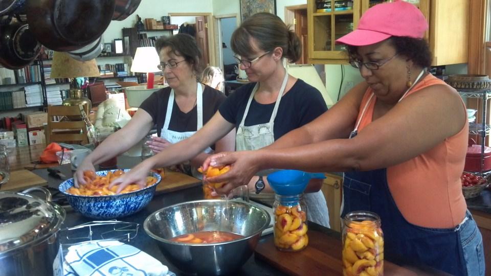 Peach-tomato canning class
