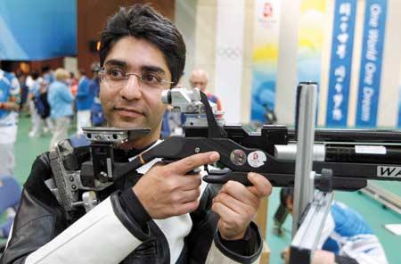 Un cecchino del Punjab proietta l'India nell'Olimpo dello sport.