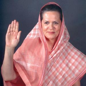 """Elezioni indiane: appello di Sonia Gandhi agli elettori """"votate per la democrazia"""""""