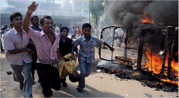 Elezioni indiane: quattro bombe e otto morti in Assam, a poche ore dalla visita del prmio ministro