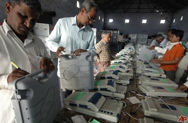 conteggio-voti-india1