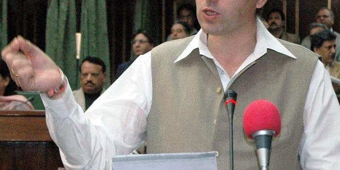 Sexi scandalo in Kashmir. Il ministro Abdullah Omar costretto a dimettersi, ma il governatore lo riabilita