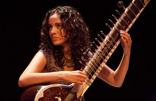 "L'EVENTO MUSICALE: ANOUSHKA SHANKAR & BAND. ""SPIRITUAL SOUNDS FROM HER SITAR"""