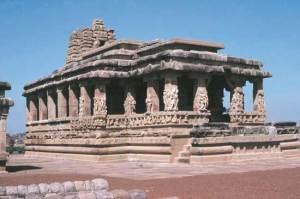 Durga temple, tardo VII secolo,  Aihole, Karnataka. Foto