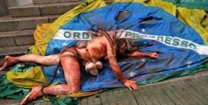 Indio sobre a bandeira do brasil