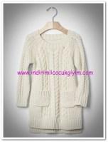 Gap kız çocuk beyaz saç örgülü triko elbise-130 TL