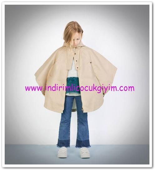 Zara kız çocuk bej kapşonlu yağmurluk-86 TL