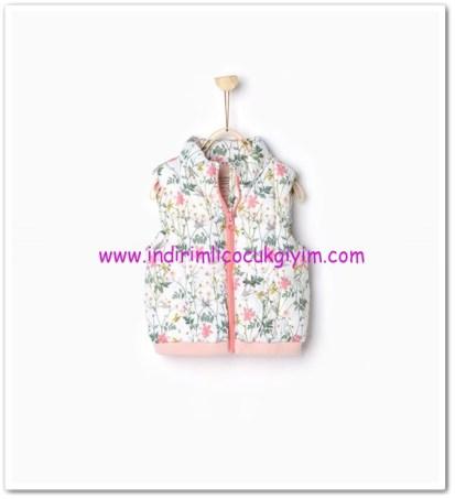 Zara kız bebek çiçek desenli yelek-60 TL