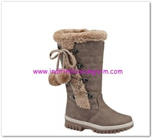 Kinetix kız çocuk kum rengi ponponlu çizme-60 TL