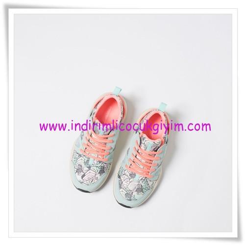 Zara kız çocuk 23 Nisan spor ayakkabıları-120 TL