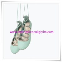 Zara kız çocuk bağcıklı balerin ayakkabısı-110 TL