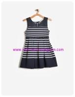 koton kız çocuk lacivert tül detaylı çizgili elbise