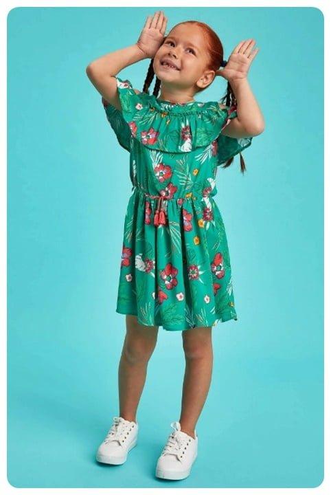 omuzlari-acik-yesil-firfirli-elbise-50-TL