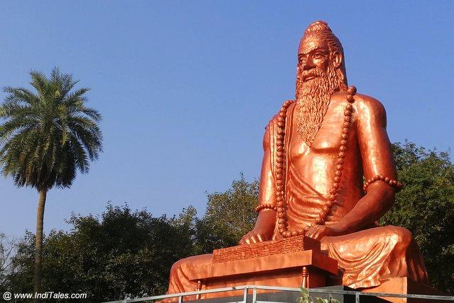 भरद्वाज मुनि की विशाल प्रतिमा - प्रयागराज