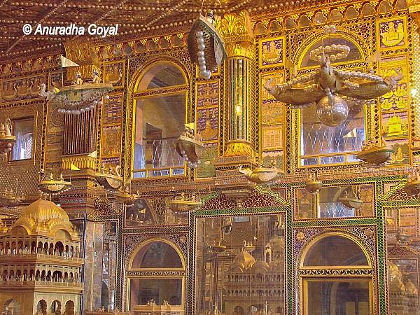 अजमेर का जैन लाल मंदिर