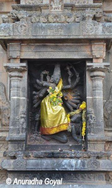 महिषासुरमर्दिनी - नटराज मंदिर चिदंबरम