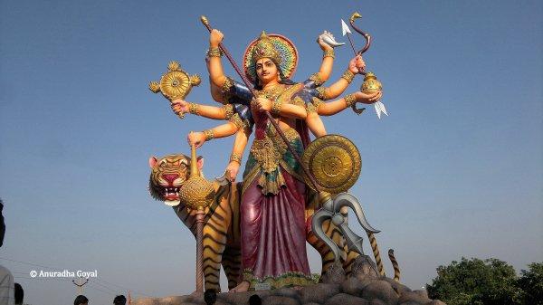 सुरेंद्रपुरी पौराणिक संग्रहालय में दुर्गा की प्रतिमा