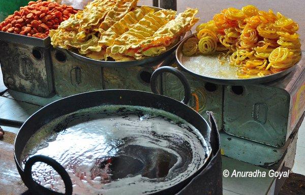 जलेबी और फाफडा - गुजरात का नाश्ता