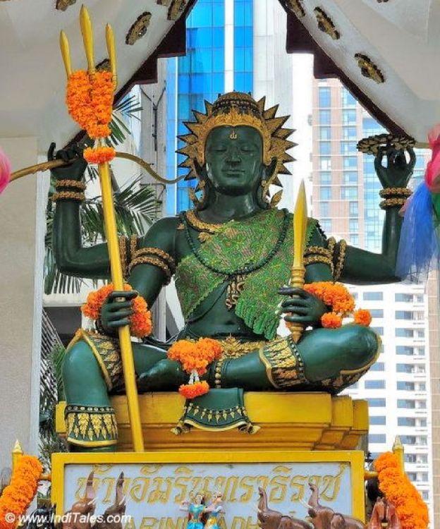 इंद्र देव की प्रतिमा - बैंकॉक