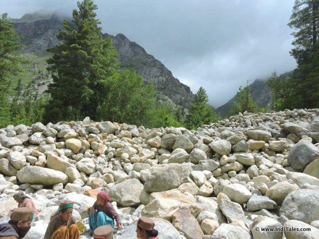 पत्थरों का शहर - रक्चम सांगला घाटी, हिमाचल प्रदेश