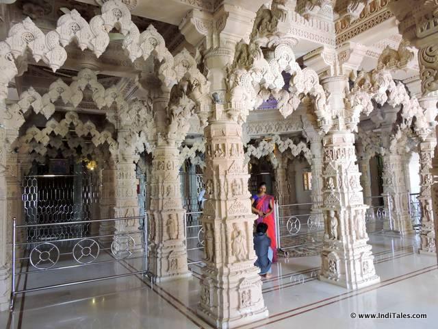 स्वामीनारायण मंदिर -सिलवासा