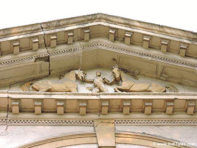 कोल्कता राज भवन के अस्तबल की साज सज्जा