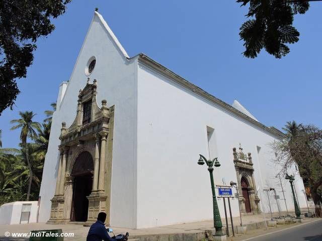 चर्च ऑफ़ बोम जीसस - मोटी दमन