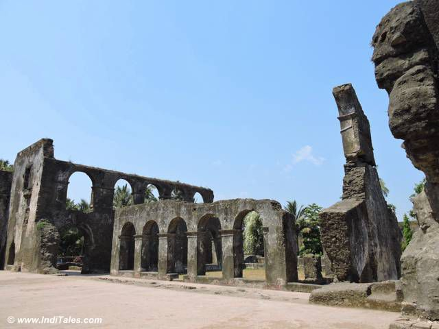 डोमनिकन मठ के अवशेष - मोटी दमन