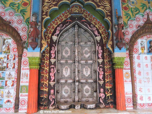 हनुमान गढ़ी मंदिर का द्वार