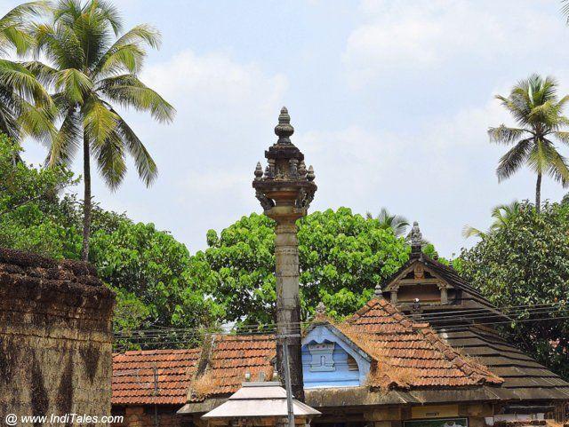 जैन मंदिर मार्ग पे जैन बसदियों की छतें
